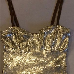 Sequin gold top-free people!